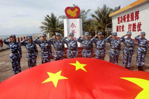 海军南沙守礁部队迎来首批女军人
