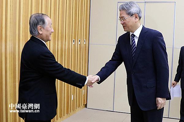 中共中央台湾工作办公室与新党大陆访问团座谈