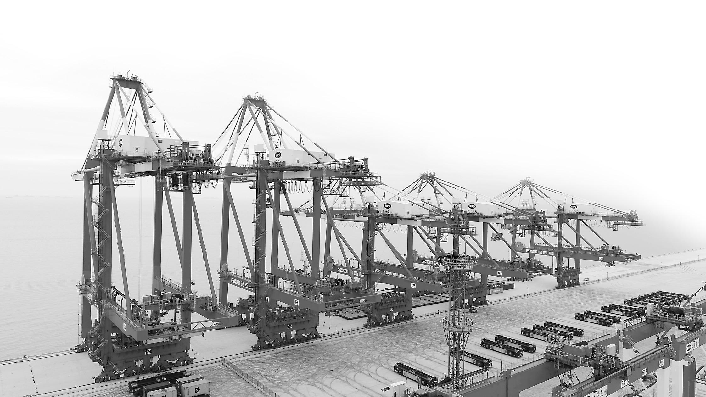 """全世界港口建设的""""珠穆朗玛"""":中国这座""""魔鬼码头""""让世界震撼"""