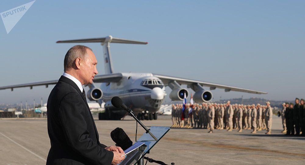 """普京""""闪电""""访俄驻叙军事基地 宣布将逐步撤军"""