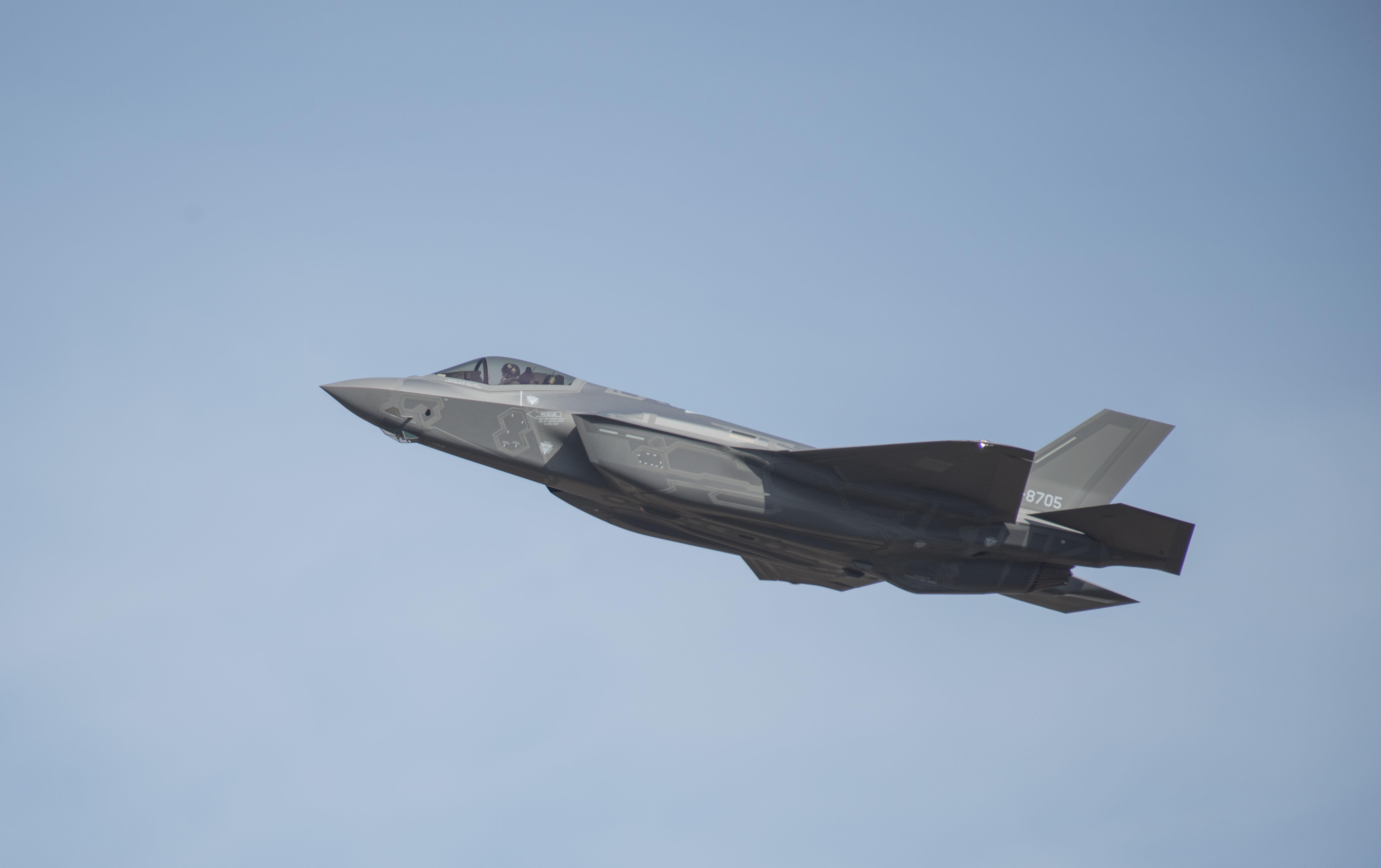 解改a���iyamz(�yi!_日本制造首架f-35a战斗机首飞