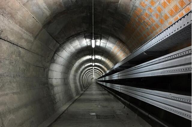 走进瑞士 探寻防空洞
