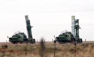 """俄罗斯S400防空导弹秀""""双发齐射""""拦截"""