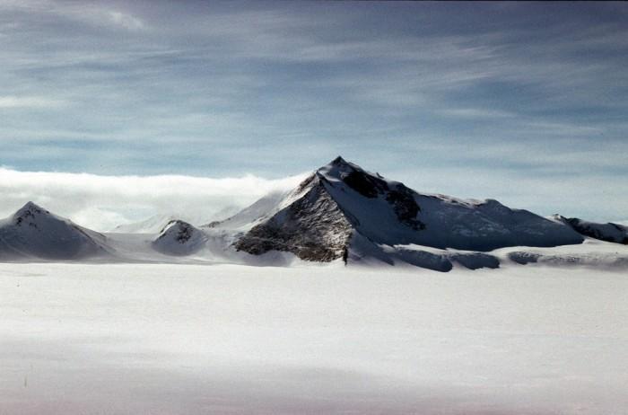 研究人员发现英国的最高峰位于南极洲