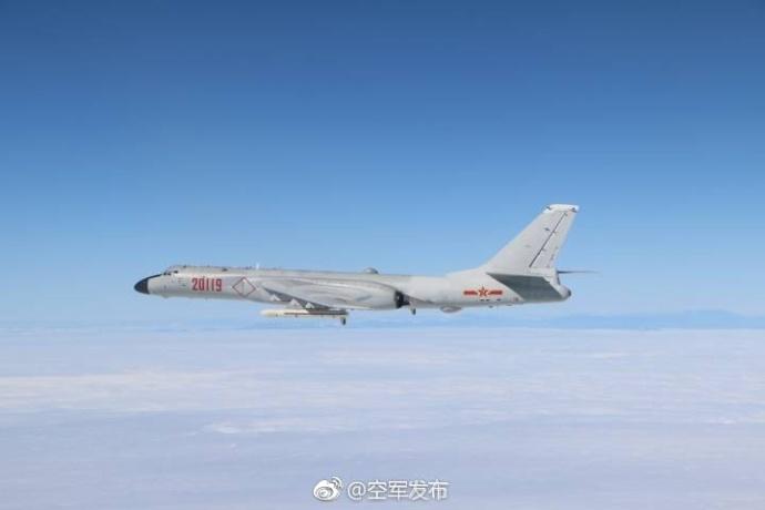 """专家:必要时,空军战机真有可能""""穿岛""""巡航"""