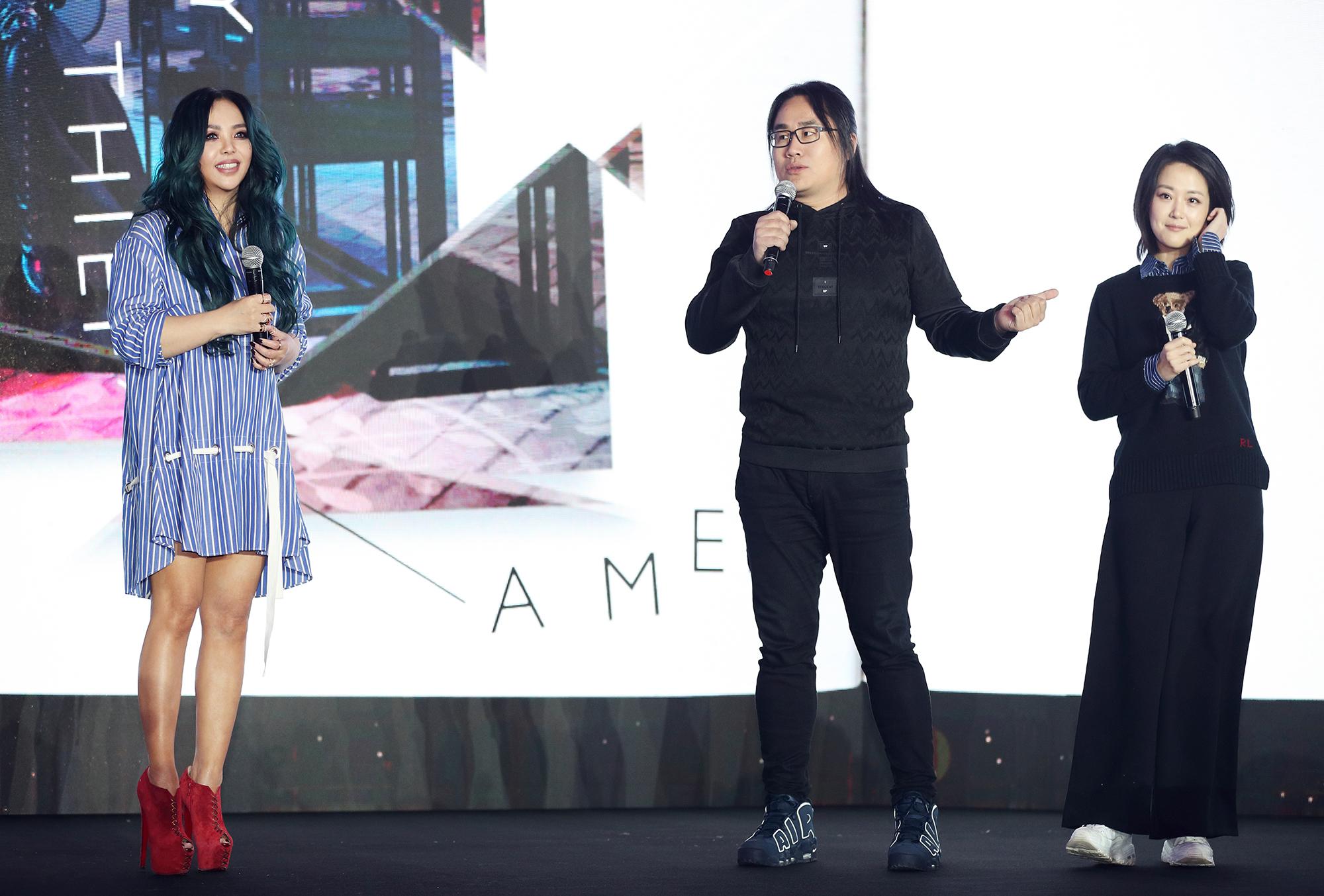 张惠妹举行新专《偷故事的人》亚洲见面分享会