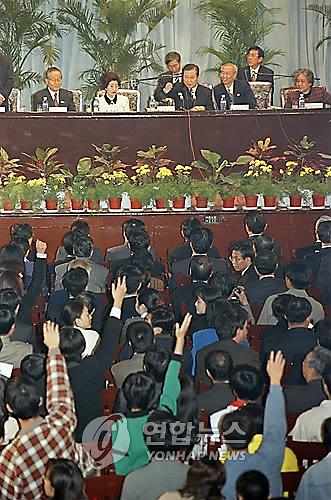 历届韩总统访华都做哪些事?进大学演讲、访现代工厂和大韩民国临时政府