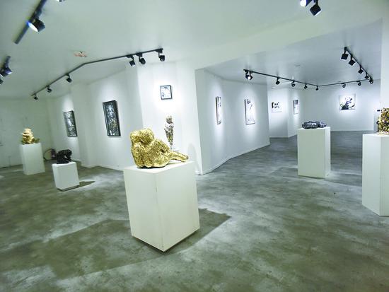 巴黎Vanities 画廊成功举办开幕首展