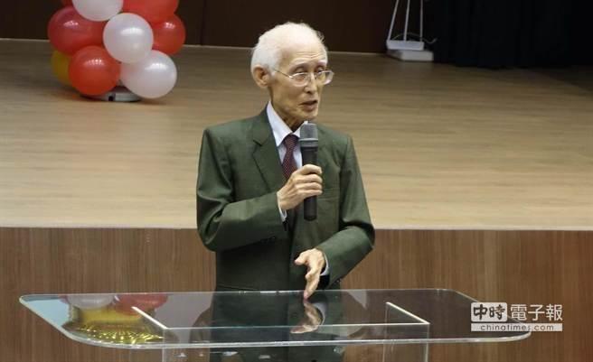 因气温骤变 台湾著名诗人余光中住院疗养