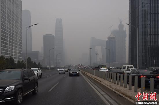 中东部先后迎雨雪降温天气 华北局地有轻至中度霾