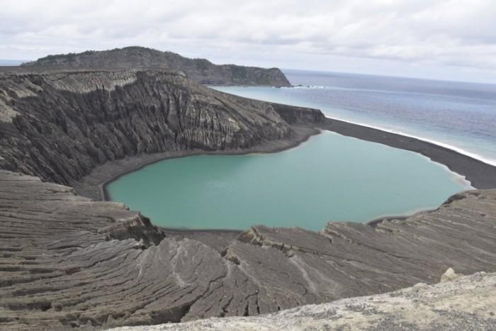 科学家在太平洋发现新岛屿 将有助了解火星