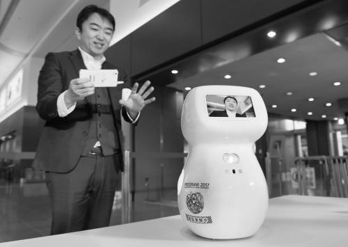 机器人迎奥运:日本东京羽田机场机器人