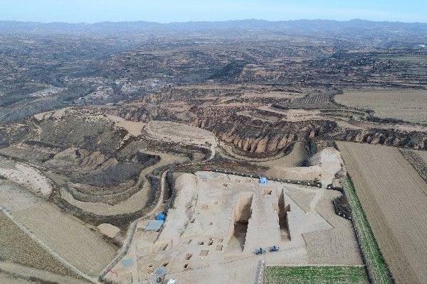 陕西现全国最大春秋周系墓葬 出土文物300件