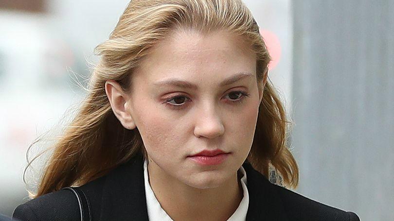 牛津女学霸刺伤剑桥男友反上诉 法官判其不入狱