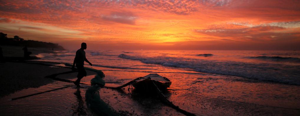 加沙海滩日落美景
