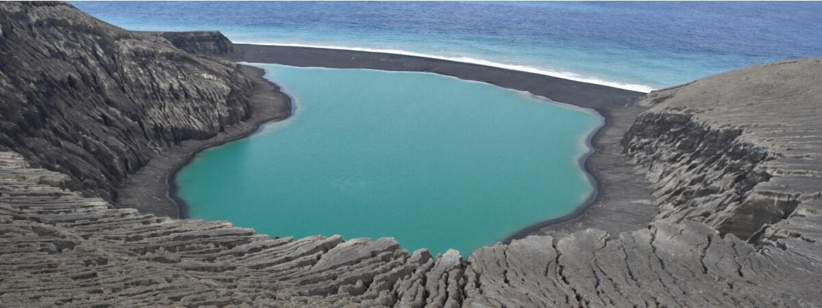 NASA : 火山生成的新岛有助研究火星有无生命