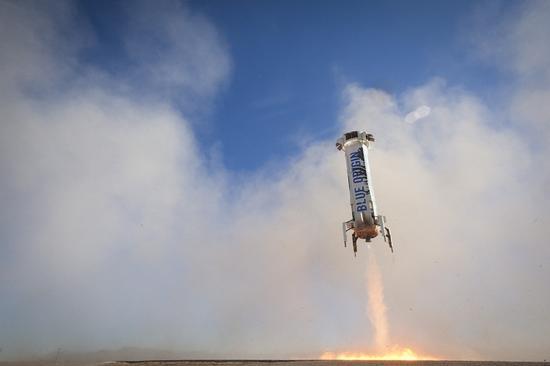 蓝色起源成功试射火箭 贝索斯后年送游客上太空