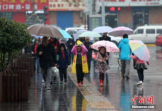 中东部地区将有雨雪天气 局地降温达10℃以上