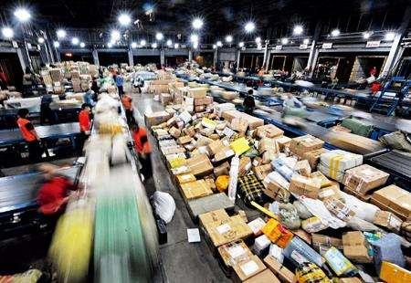 1-11月全国快递服务企业业务量累计完成358.6亿件