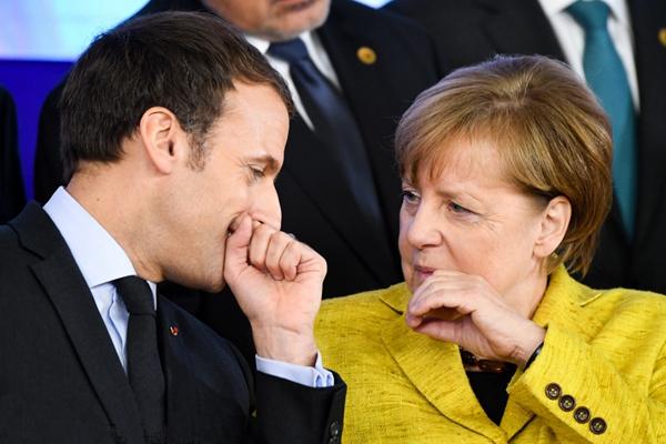 """欧洲理事会会议召开 各国领导人上演""""表情包""""大戏"""