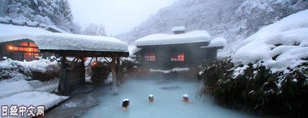 不容错过!日本专家推荐日本十大绝美雪景温泉旅馆