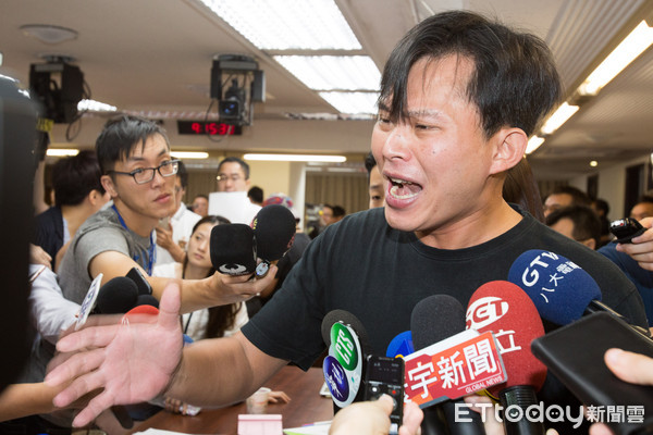 """""""独派""""黄国昌被罢免案将投票 扬言:9.9成罢免不了"""