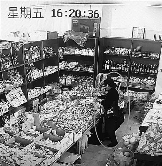 大妈盗窃超市成瘾 称梦到