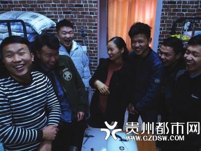 澳门金沙娱乐平台:怕学生生日喝酒出事,贵州宿管阿姨提供学习室聚会并炒菜做饭