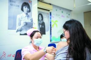 """宫颈癌疫苗答疑:二价疫苗退市是""""商业动作""""?"""