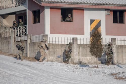 韩美两军举行联合演练 销毁大规模杀伤性武器