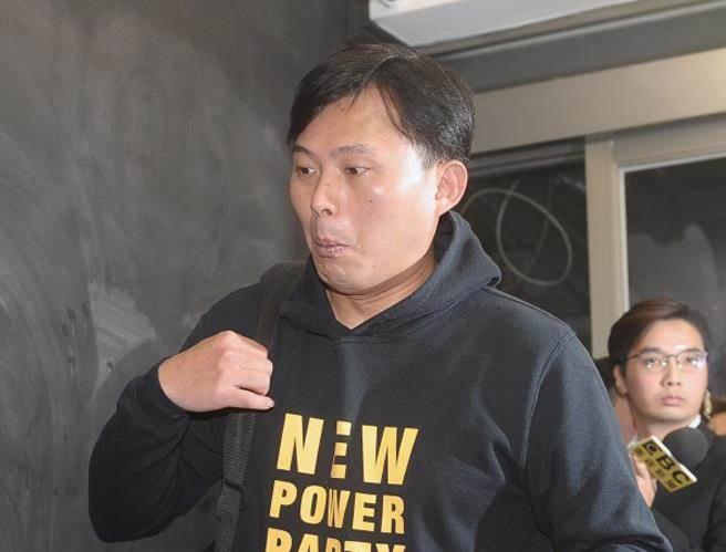 罢昌案未过关 名嘴:黄国昌应跪爬到民进党团前行大礼