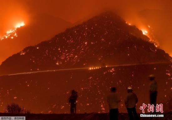 美国加州山火仍在肆虐 或成当地史上第三大火灾
