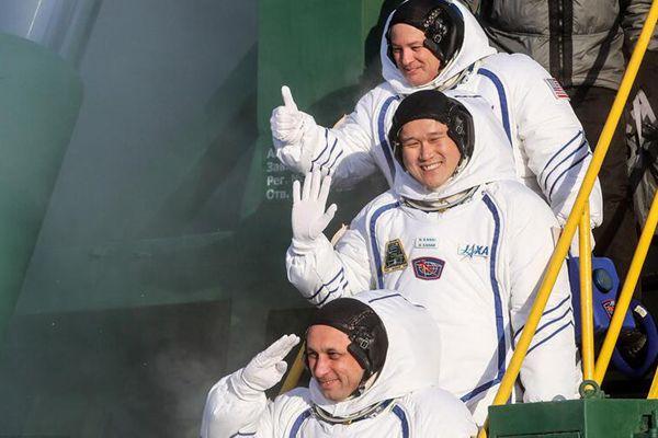 """""""联盟MS-07""""载人飞船搭载三名宇航员前往国际空间站"""