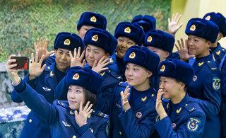 空军女兵在新兵连的最后一天