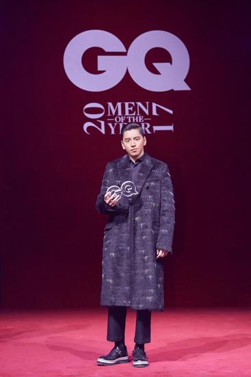 """王大陆亮相GQ年度盛典  斩获""""年度风尚艺人""""奖"""