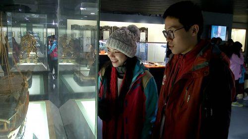 百余位马来西亚华裔少年走进扬州非遗文化