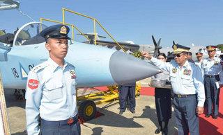缅甸空军庆祝雅克130等飞机服役