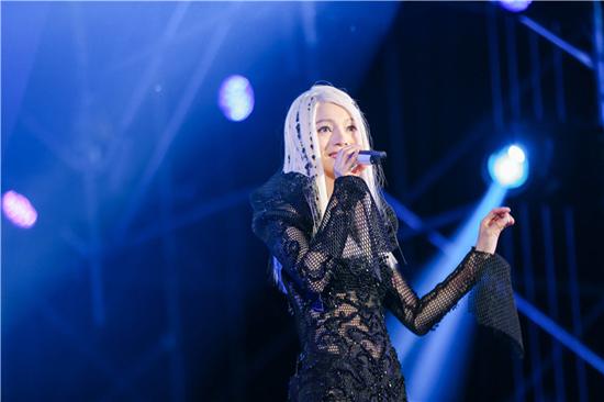 张韶涵「纯粹REMIX」昆明即将开唱  粉丝打call