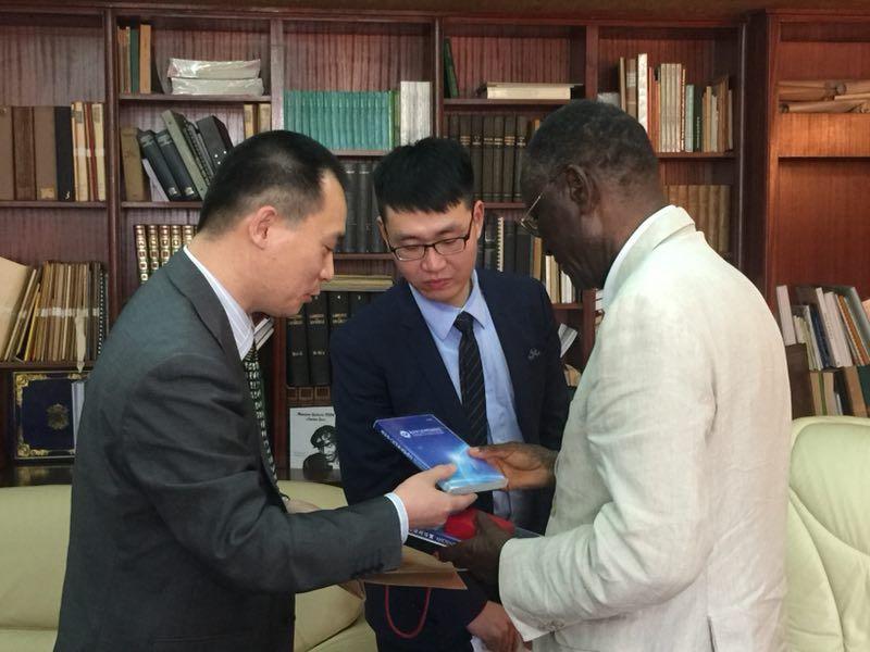 喀麦隆中国人民友好合作协会成立 ——中非民间友好大家庭喜添新成员
