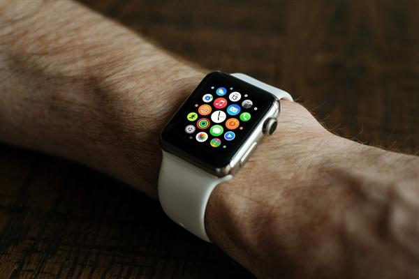 为三大运营商买单:购买行货苹果手表3用户都可退货