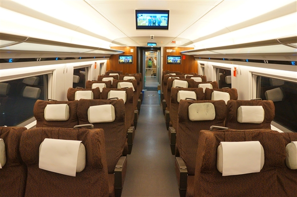 中国铁总:今后全部高铁覆盖Wi-Fi、推广刷脸进站