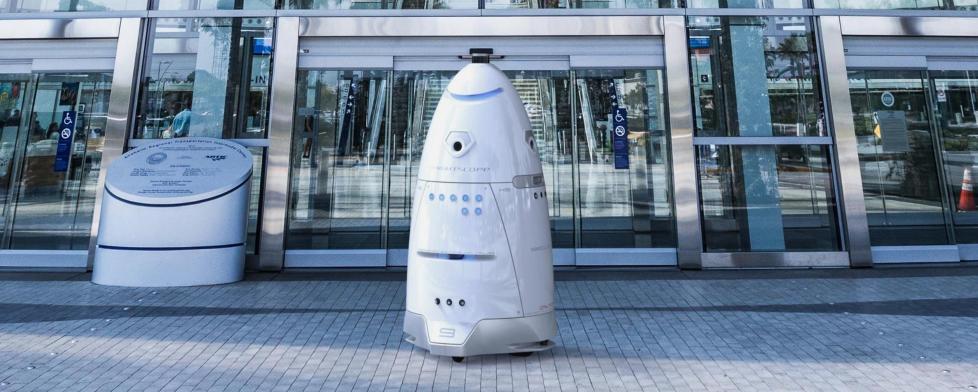 旧金山安保机器人驱赶流浪汉 回应:已被解雇