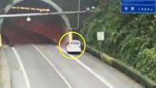 司机打瞌睡 撞上隧道口