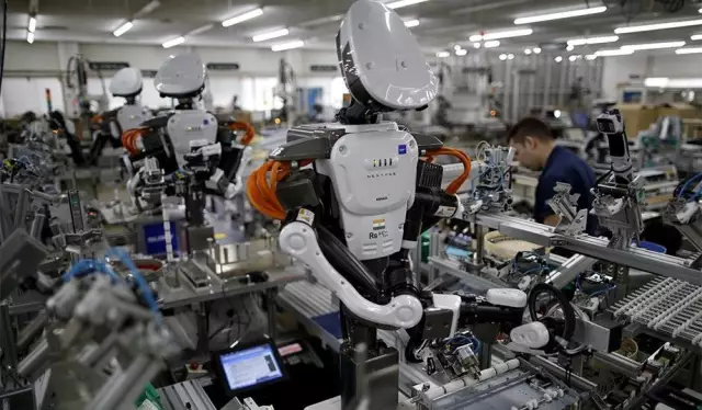 人类工作被机器人抢走,我们该向机器人征税吗?
