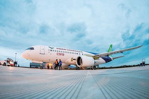2017中国航空年度关键词:大飞机、空中WiFi、民航包机