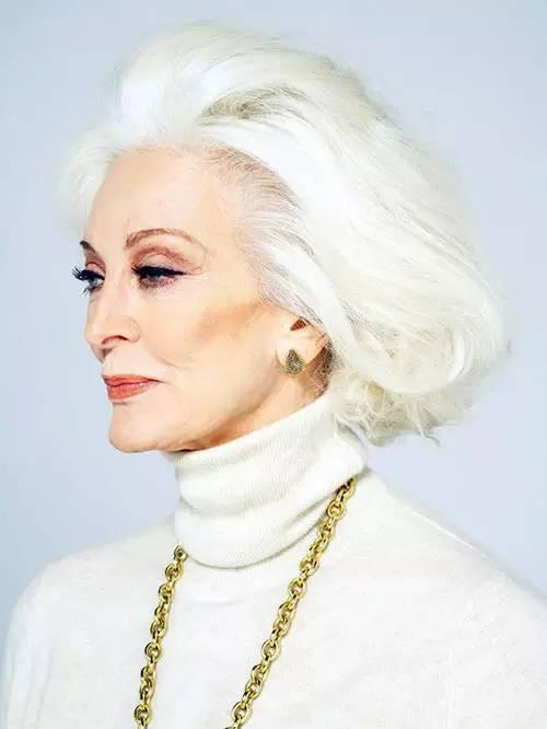 她85岁仍有性生活!身材似少女活成不老传说!