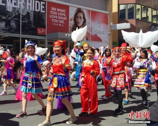 海外华侨华人艰苦奋斗终成气候 回馈当地回报祖籍国