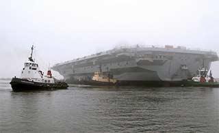 英首艘航母刚爆出重大故障二号舰就下水