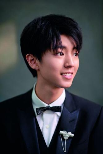 影响中国2017年度演艺人物王俊凯:A面优质偶像,B面学生少年