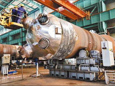 """""""华龙一号""""核电机组蒸汽发生器完成总装"""